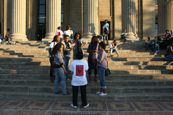 Students chatting on the Great Hall steps