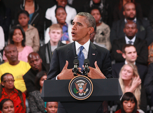Barack Obama addressing the crowd at the Town Hall meeting in Soweto Photo: Dinesh Balliah