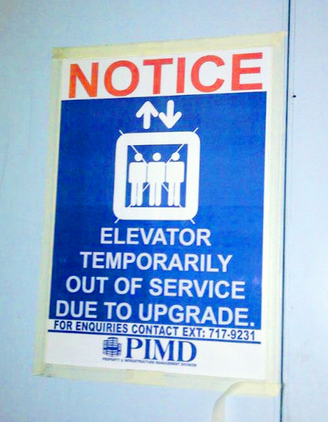 WARNING: Notice advicing students and staff about faulty lifts Photo: Nokuthula Manyathi