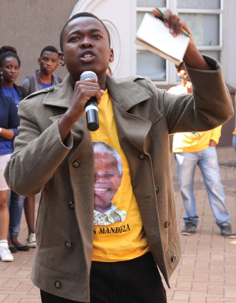 Nelson Maunatlala  urging students to vote for the PYA