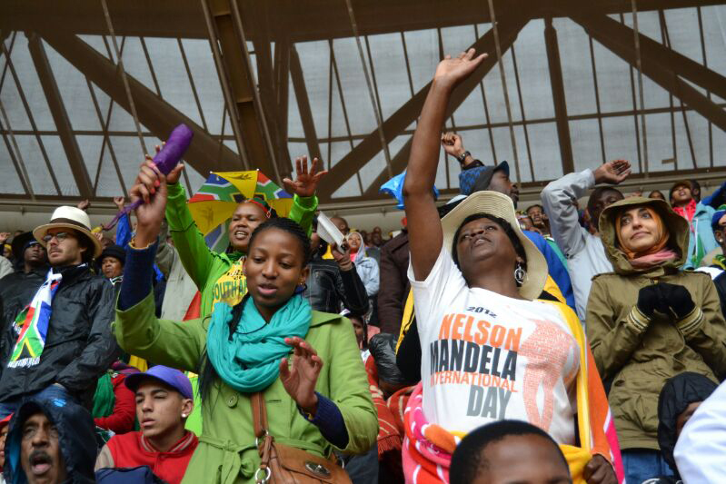SLIDESHOW: In memory of Mandela, images from Soweto