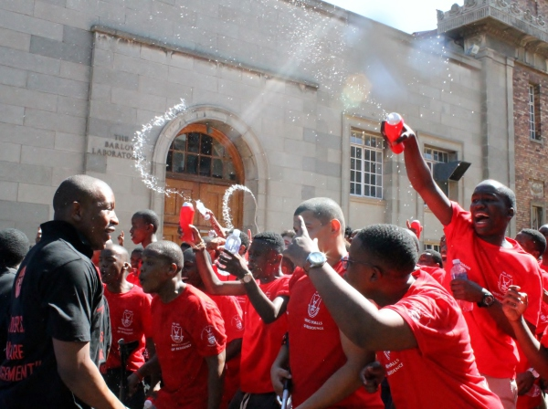 SPLASH OUT:  Members of Mens Res take rivalry to a new level as they start a water fight between Sunnyside and Wits Junction residences.  Photo: Ilanit Chernick