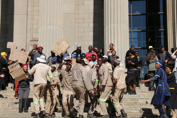 Workers and students gathered at The Great hall before their march to Senate House. Photo by Sibongile Machika