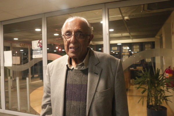 IN SOLIDARITY: Ahmed Kathrada, former political prisoner and anti-apartheid activist, was at the meeting to show his support for the #FeesMustFall movement. Photo: Nasya Smith