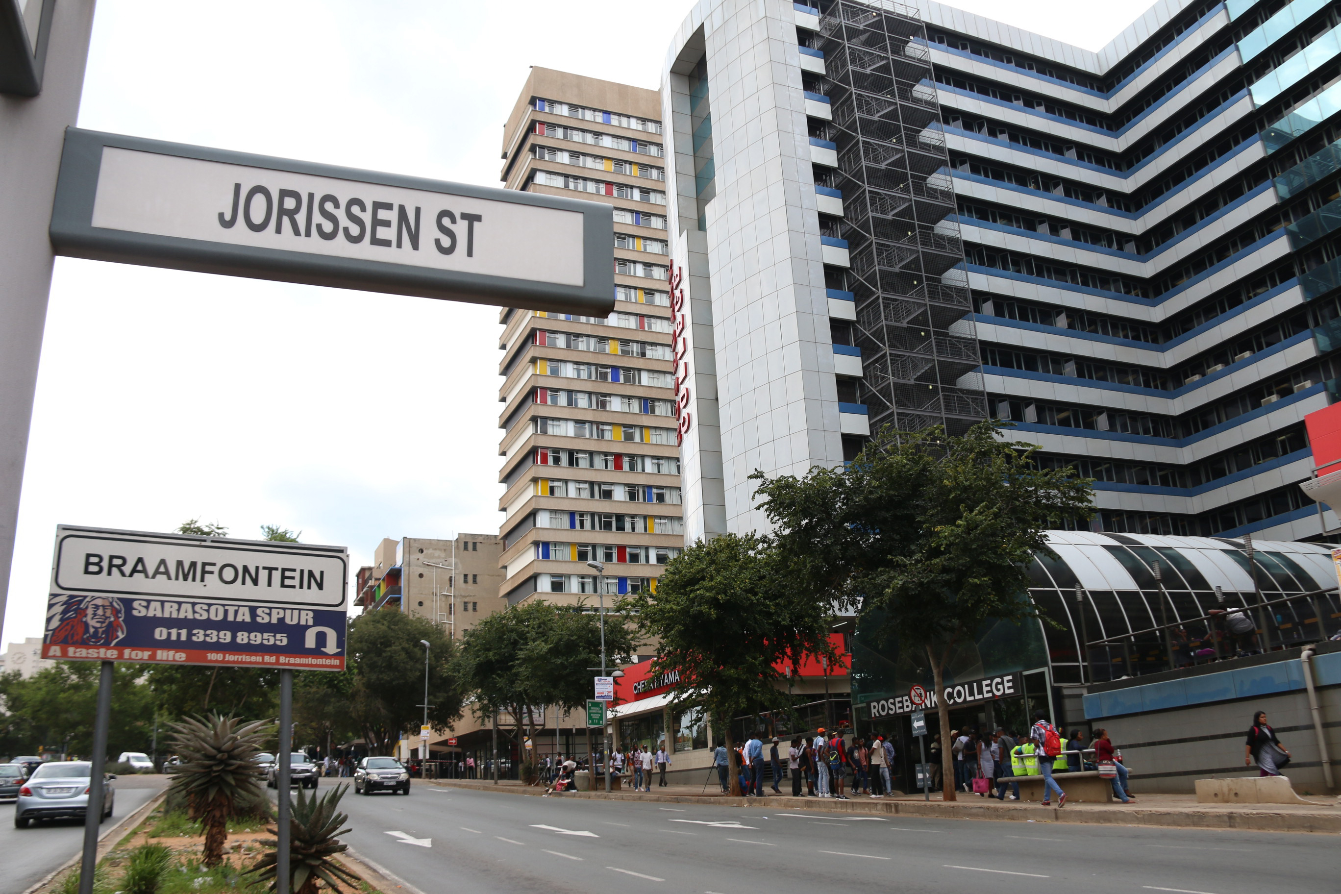 Online fraudsters continue to scam students in Braamfontein