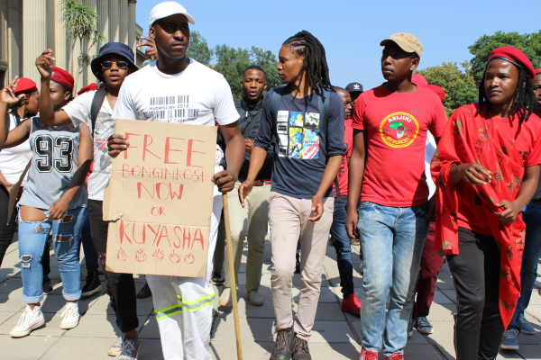 SIZOFUNDA MAHALA:  Wits students, led by Wits EFF,  gathered outside the Wits Great Hall and marched to the Constitutional Court in support of the call to free #FeesMustFall student leader, Bonginkosi Khanyile.                                                                                                                      Photo: Aarti Bhana