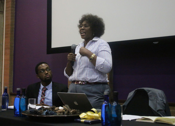 Dr Makhosi Khoza discusses issues of integrity, accountability and transparency in politics with Wits students. Photo: Chulumanco Mahamba