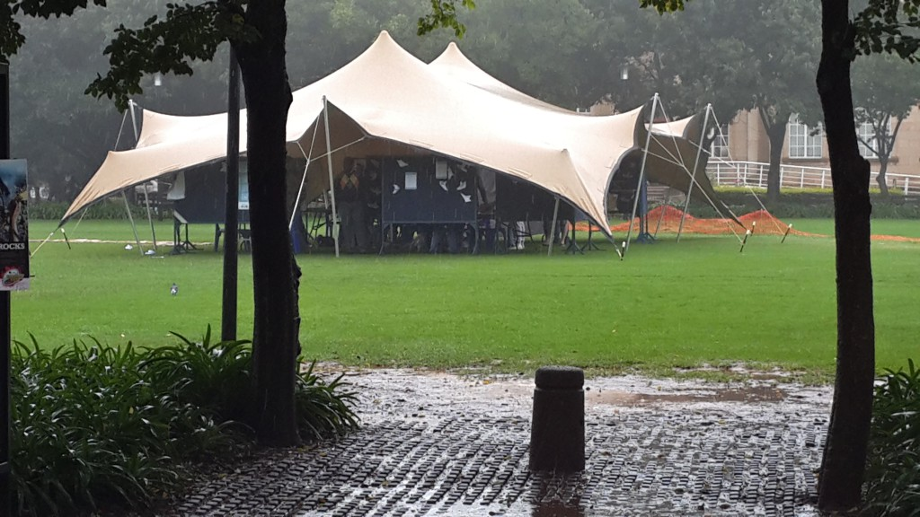 The South Arican Union of Jewish Students have erected what they call a peace tent on the library lawns. Not much foot traffic under the tent today. Photo: Pheladi Sethusa