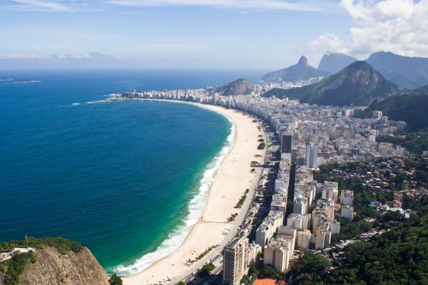 Copacabana Beach (Praia de Copacabana), Rio de Janeiro, Brazil. Photo: Bisonlux
