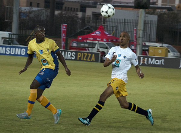 KICK-OFF: Wits kept the pressure on the University of  the Western Cape last night as both teams kicked off the Varsity Football Tournament at the Bidvest Wits stadium, Wits University. Photo: Sibongile Machika.