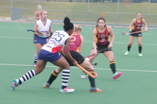 Stellenbosch Maties vs NMMU's Madibaz in the opening hockey game of the tournament. Photo: Ayanda Mgede
